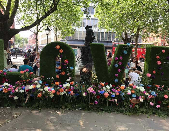 love sign sloane square London